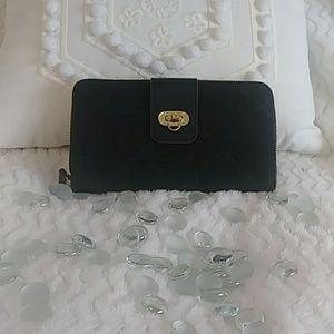 NWOT Vera Bradley Zippered Wallet